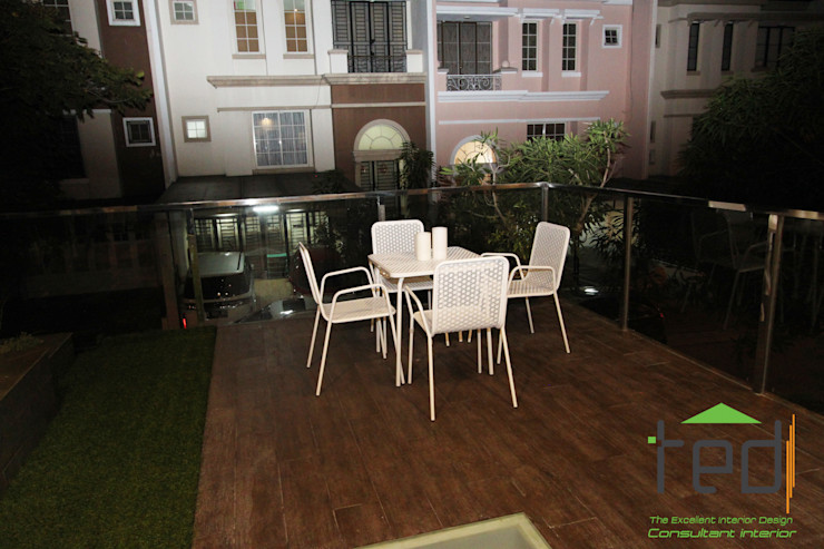 PD. Teguh Desain Indonesia Modern balcony, veranda & terrace Wood effect
