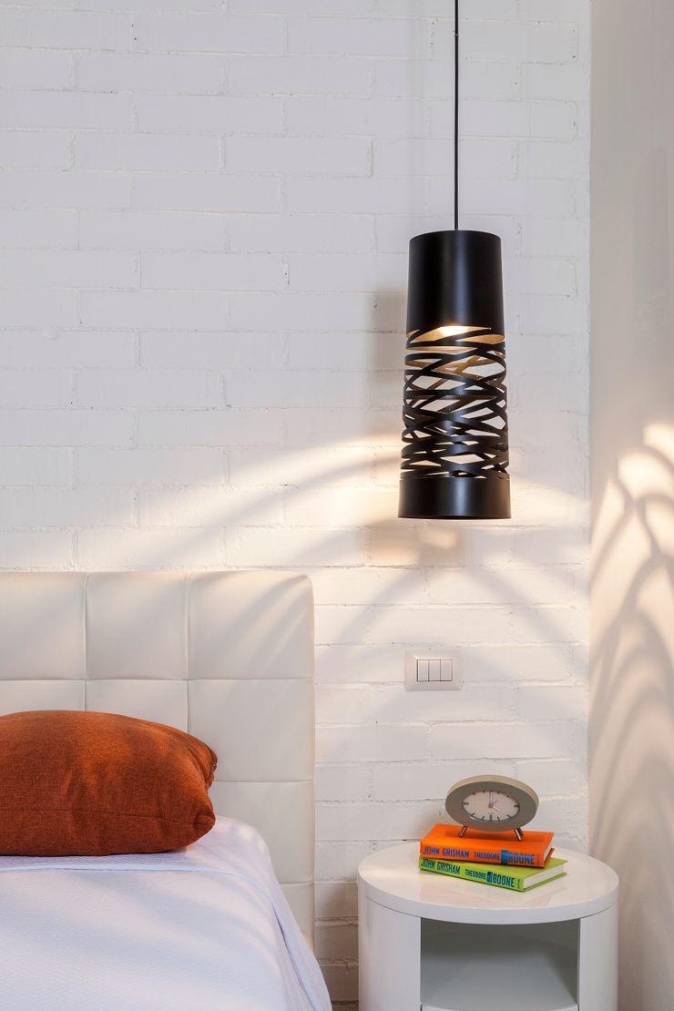 Daniel Cota Arquitectura   Despacho de arquitectos   Cancún BedroomLighting Iron/Steel Black