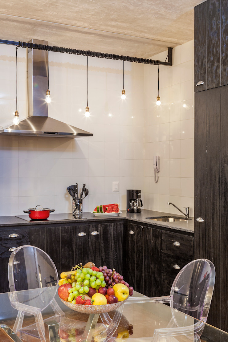 Daniel Cota Arquitectura   Despacho de arquitectos   Cancún Built-in kitchens Wood Black