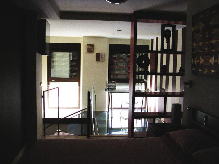 Despacho Almudena Madrid Interiorismo, diseño y decoración de interiores Estudios y despachos de estilo industrial
