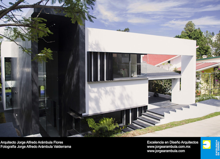 Casa N1 Excelencia en Diseño Casas unifamiliares Negro