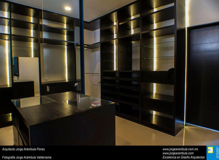 Casa N1 Excelencia en Diseño Vestidores minimalistas Madera Negro