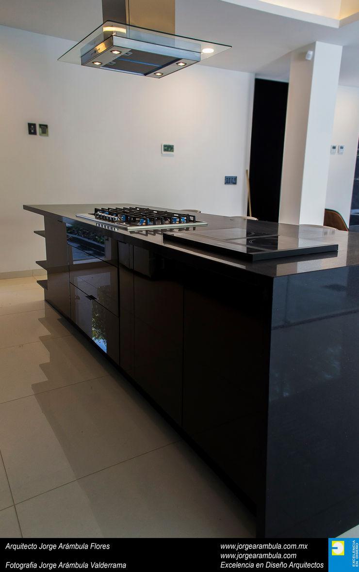 Casa N1 Excelencia en Diseño Cocinas equipadas Granito Negro