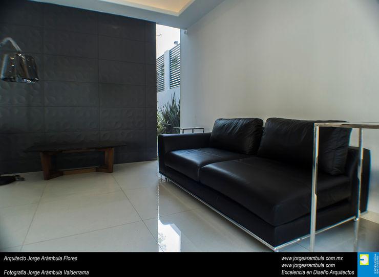 Casa N1 Excelencia en Diseño Salones minimalistas Negro