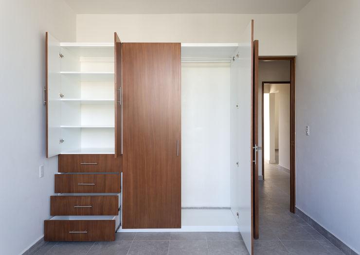 Daniel Cota Arquitectura | Despacho de arquitectos | Cancún Modern Dressing Room Wood Wood effect