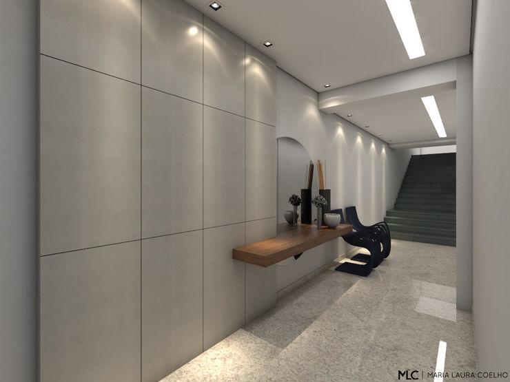 Maria Laura Coelho Modern corridor, hallway & stairs