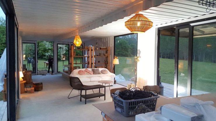 MOVI SHIPPING CONTAINER HOUSES MOVİ evleri Salones de estilo minimalista