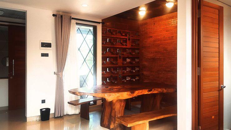 Mandalananta Studio Tropical style dining room Wood Wood effect