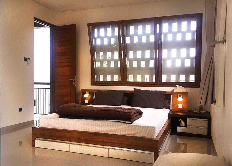 Mandalananta Studio Small bedroom Wood Amber/Gold