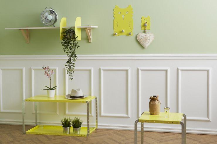 Soggiorno con complementi Mipiacemolto: tavolini MEKKANO, Appendiabiti GUFI e portaoggetti BRUCE Mipiacemolto CasaAccessori & Decorazioni Metallo