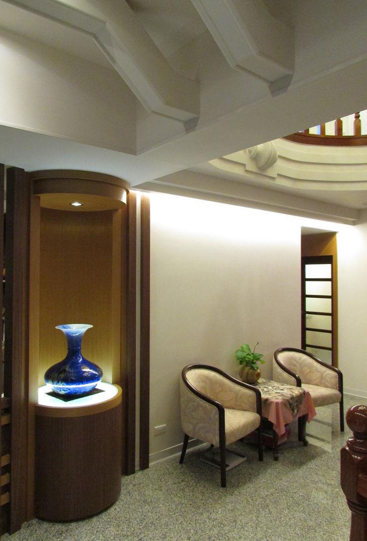 玄關端景 麥斯迪設計 Classic corridor, hallway & stairs Granite Multicolored