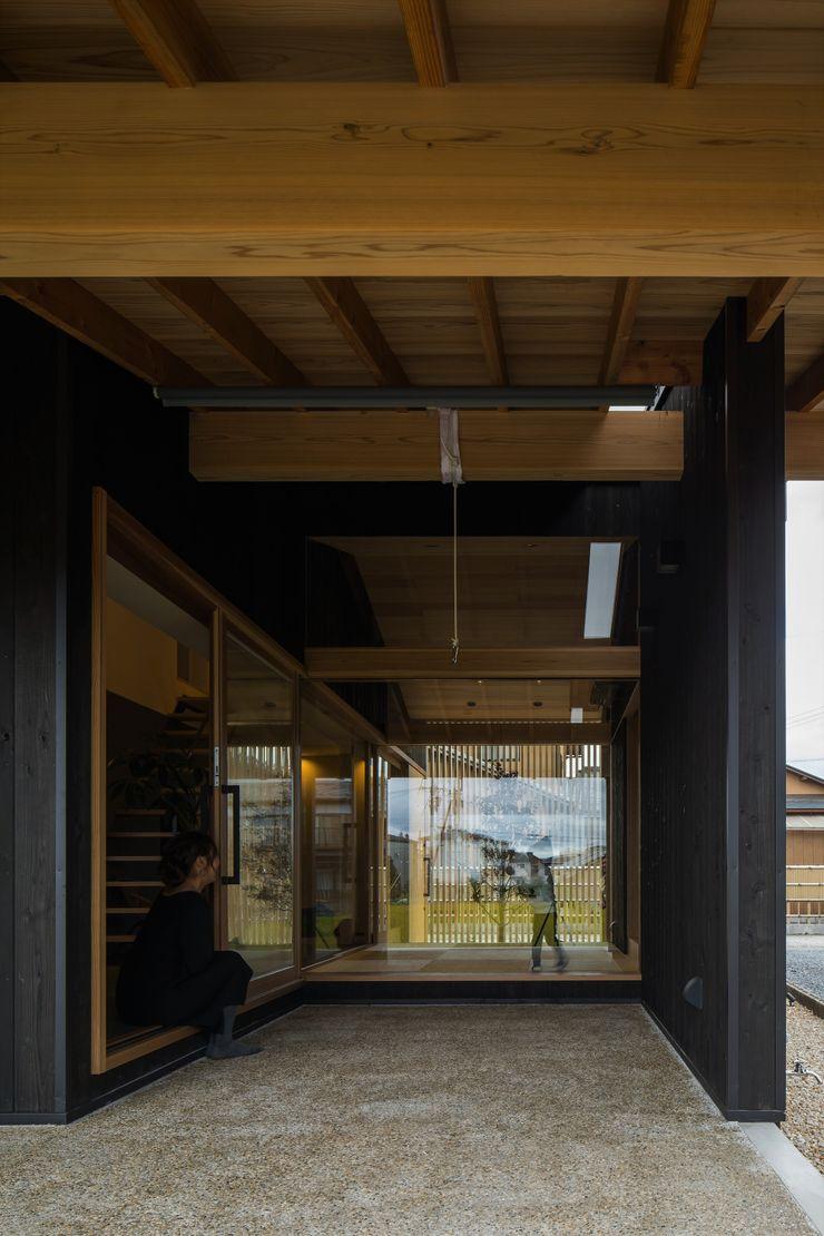 ALTS DESIGN OFFICE Asian style balcony, veranda & terrace
