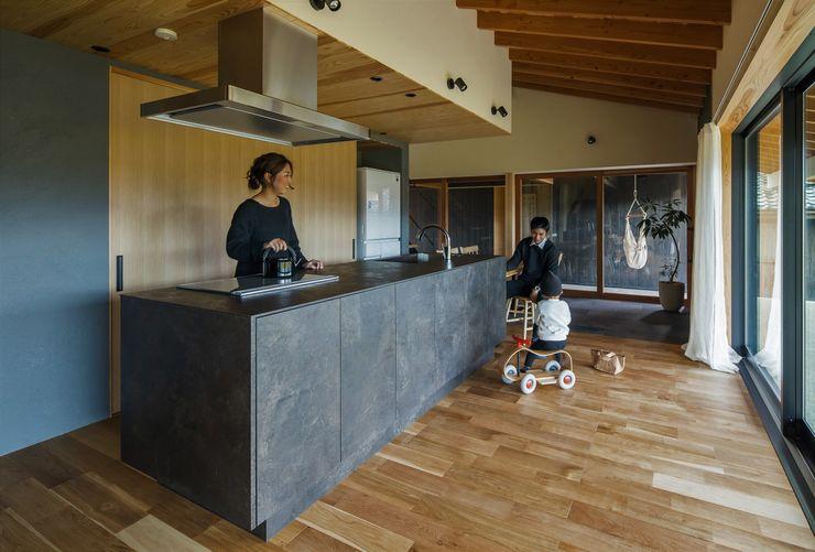 ALTS DESIGN OFFICE Asian style kitchen