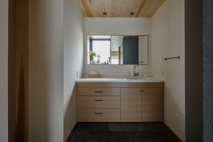 ALTS DESIGN OFFICE Asian style bathroom