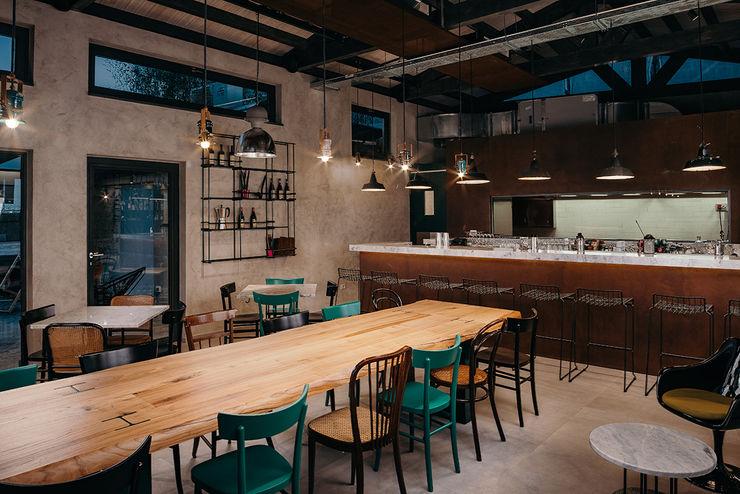 Bar manuarino architettura design comunicazione Bar & Club in stile industrial Ferro / Acciaio Verde