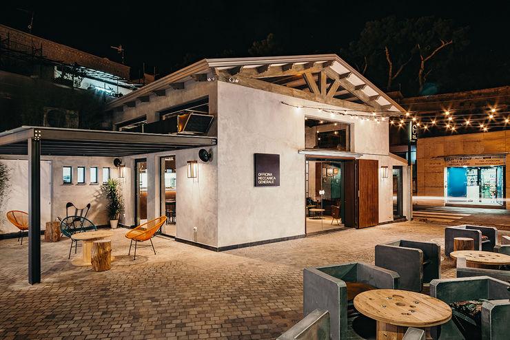 Vista Esterna manuarino architettura design comunicazione Bar & Club in stile industrial Cemento Grigio