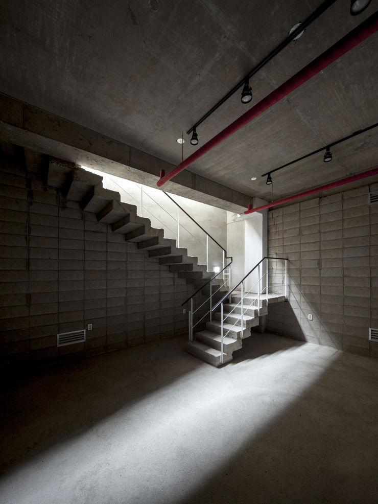 (주)건축사사무소 더함 / ThEPLus Architects 地板