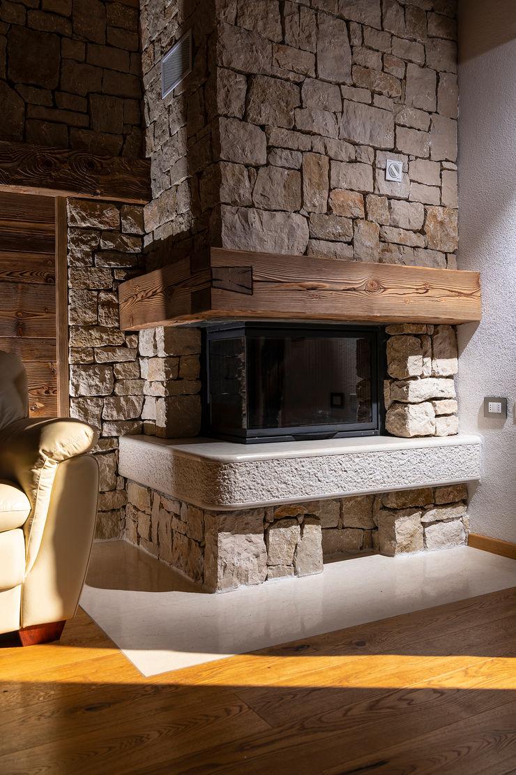 Quintarelli Pietre e Marmi Srl Living room Stone White