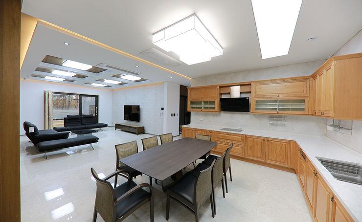 더존하우징 Modern dining room