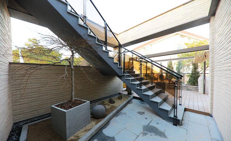 더존하우징 Modern conservatory