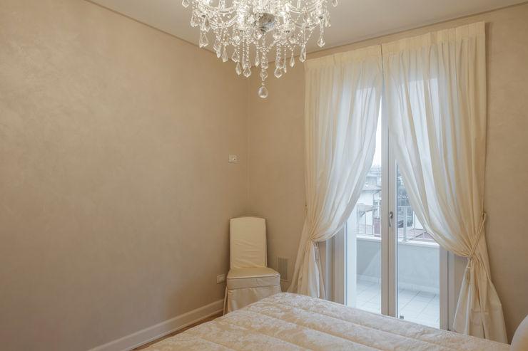 Quadrifamiliare <q>IL QUADRIFOGLIO</q> – Appartamento stile CLASSICO 2P COSTRUZIONI srl Camera da letto in stile classico