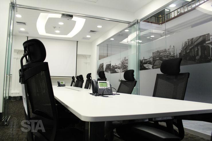 Soluciones Técnicas y de Arquitectura Modern offices & stores White