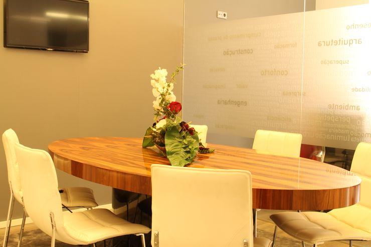 Sala de reuniões PROJETARQ Edifícios comerciais modernos