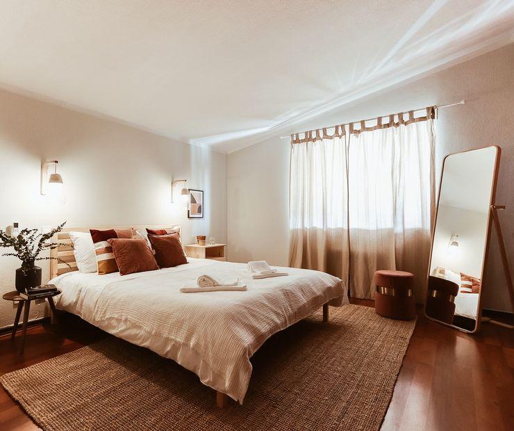 Rafaela Fraga Brás Design de Interiores & Homestyling Quartos rústicos Madeira Rosa