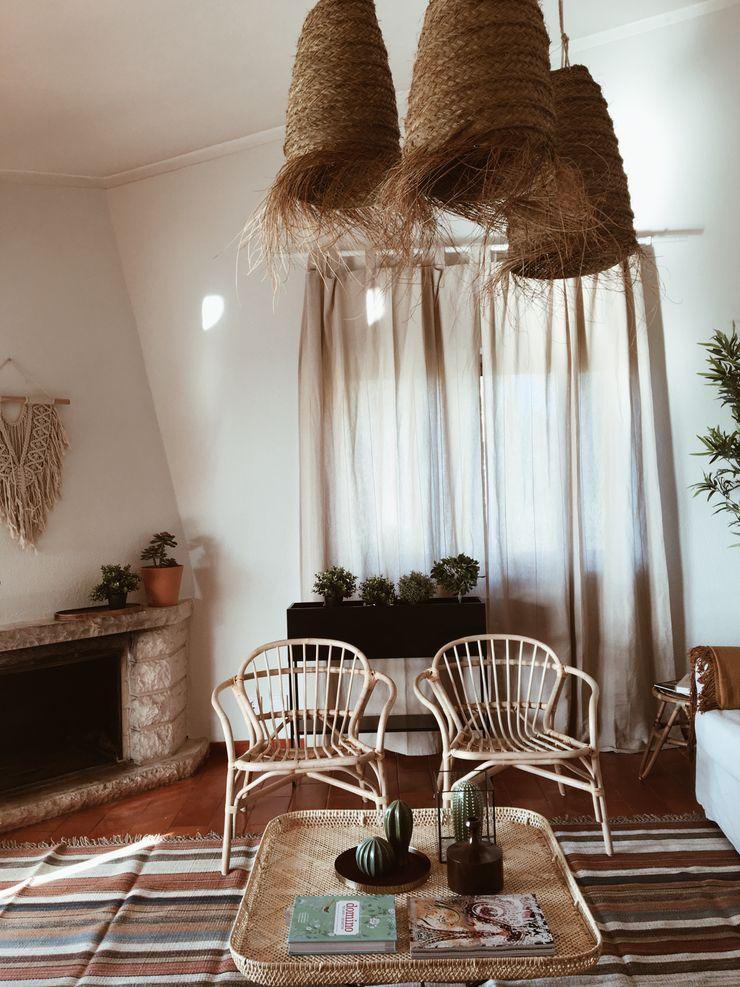 Sala de Estar Rafaela Fraga Brás Design de Interiores & Homestyling Salas de estar rústicas Madeira Bege