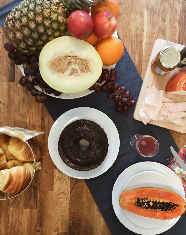 À mesa Rafaela Fraga Brás Design de Interiores & Homestyling Cozinhas rústicas Madeira Laranja