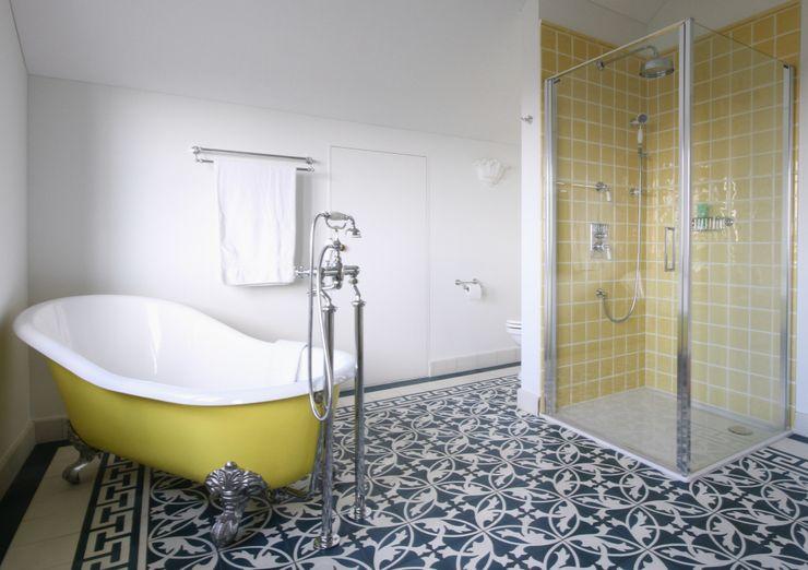 Traditional Bathrooms GmbH Kamar Mandi Klasik Besi/Baja Yellow