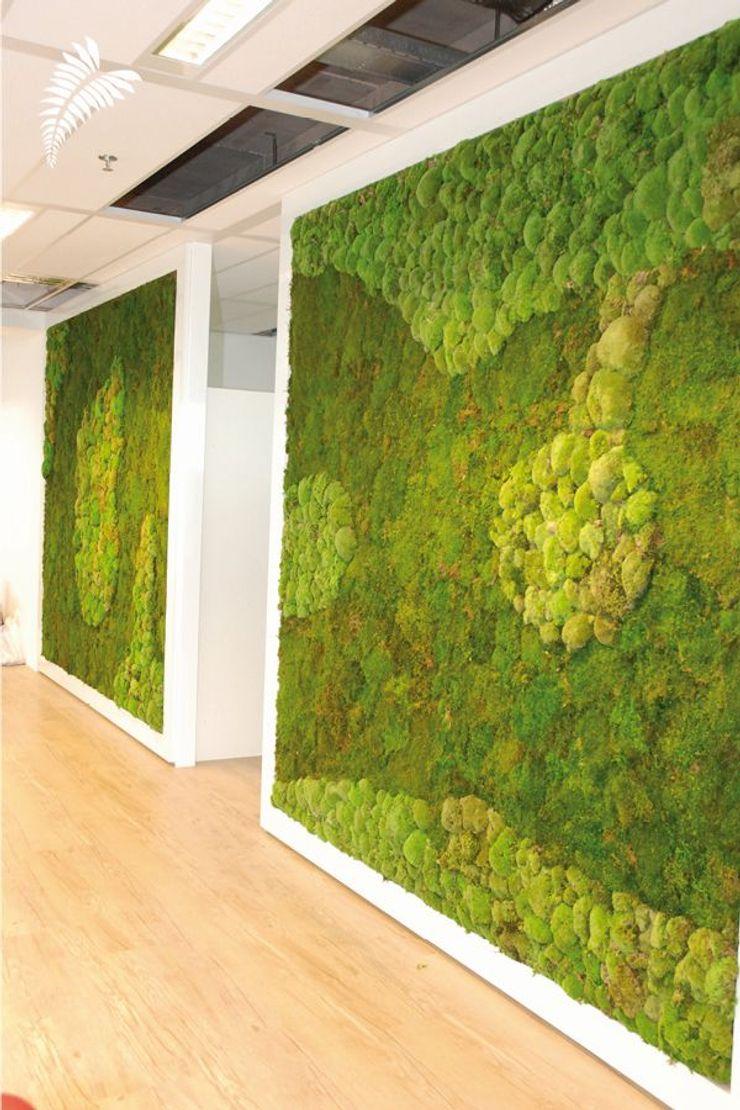 arts&more Modern Corridor, Hallway and Staircase Green