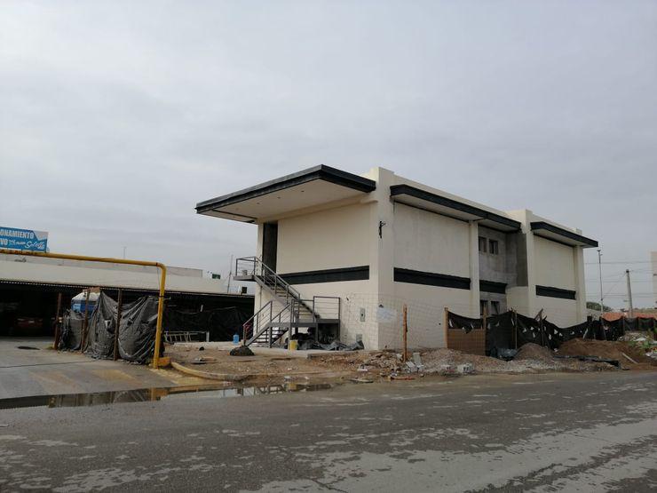 Remodelación de Plaza comercial VillaSi Construcciones Casas modernas