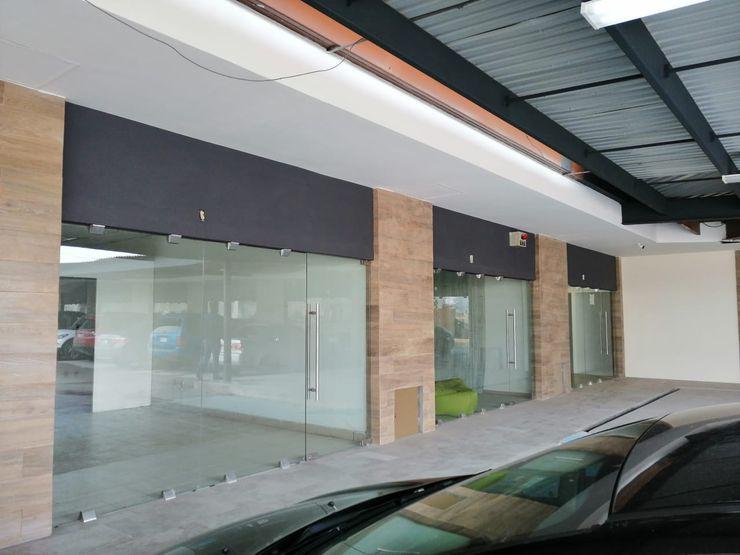 Remodelación de Plaza comercial VillaSi Construcciones Estudios y despachos modernos