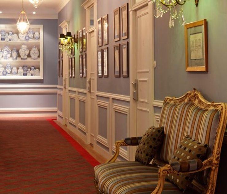 Grande Hotel do Porto Barbot Corredores, halls e escadas clássicos