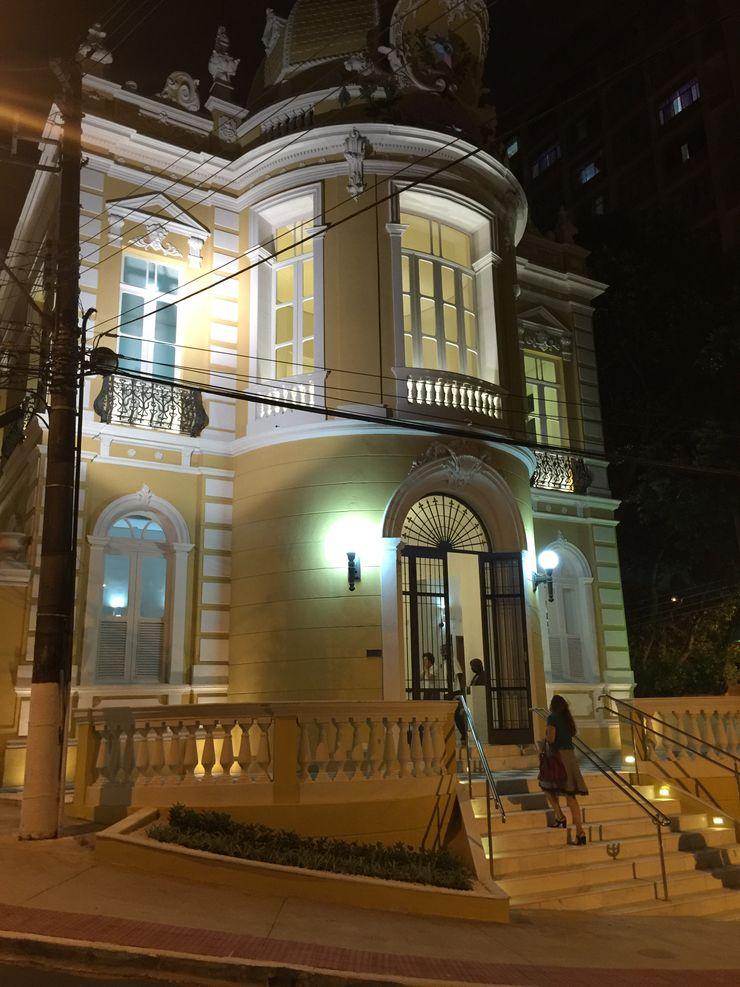 Carlos Eduardo de Lacerda Arquitetura e Planejamento Classic style houses