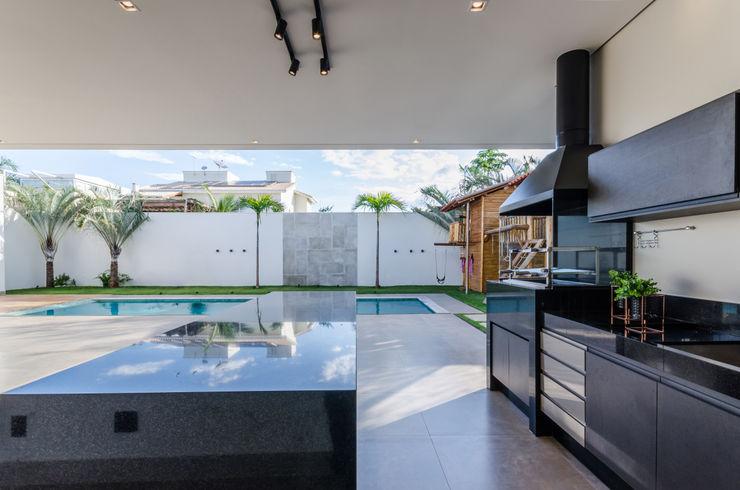 Residência Buritis Leda Maria Arquitetura Varandas Granito Preto