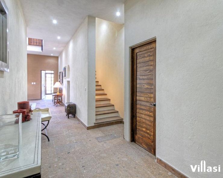 Corredor VillaSi Construcciones Pasillos, vestíbulos y escaleras rústicos
