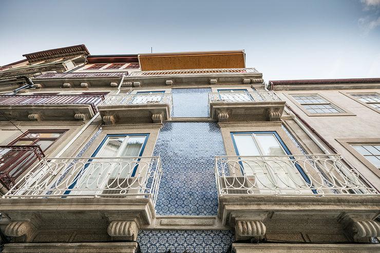 Fachada - Janelas de S. Bento, Porto - SHI Studio Interior Design ShiStudio Interior Design Habitações multifamiliares