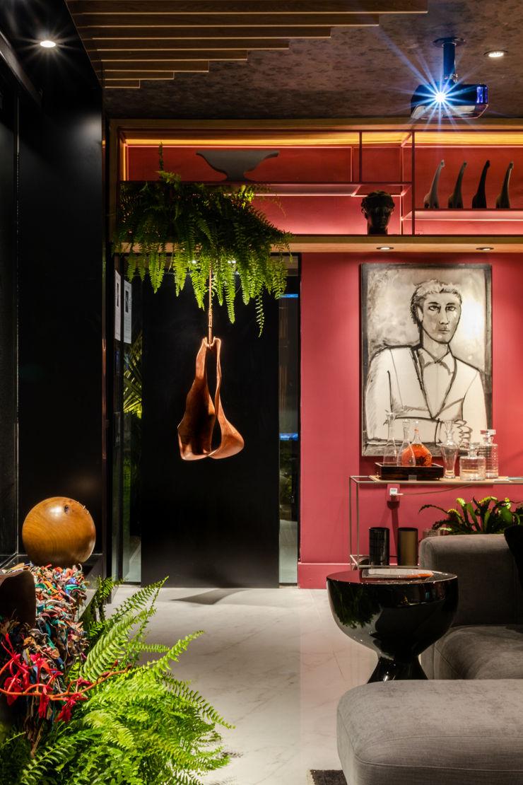 Sala da Imagem e do Som   Casa Cor PE 2018  Design x Obra de Arte Arquitetura Sônia Beltrão & associados ArteOutras obras de arte Vermelho