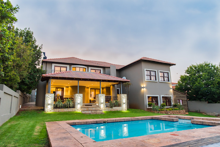 A backyard paradise TOP CENTRE PROPERTIES GROUP (PTY) LTD Colonial style house