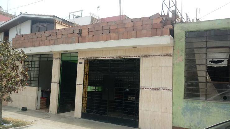 HOUSE PERU SAC Telhados planos Concreto reforçado Branco