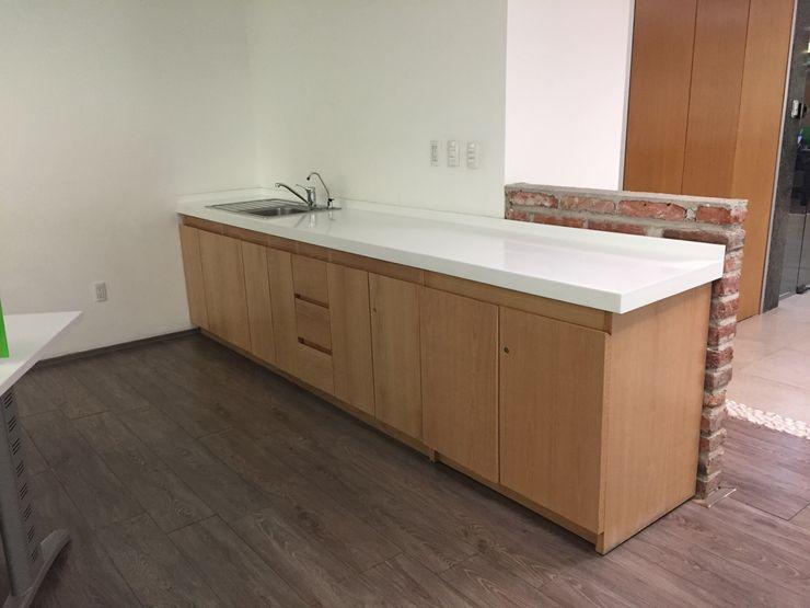 BP construcciones & acabados Modern study/office