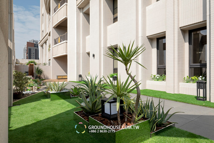 這樣的居家綠意也造福了左鄰右舍 大地工房景觀公司 Tropical style balcony, veranda & terrace