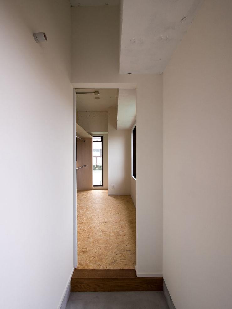 株式会社エキップ Modern Study Room and Home Office Solid Wood Wood effect