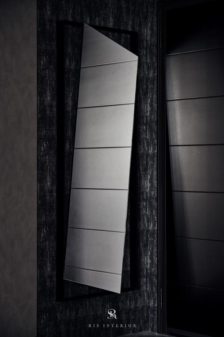 霏霧.烟波 Fog Floated 理絲室內設計有限公司 Ris Interior Design Co., Ltd. 玄關、走廊與階梯儲藏櫃