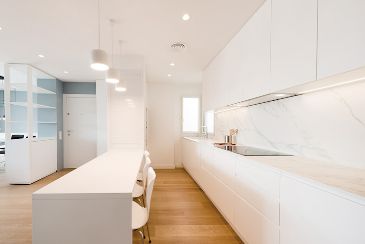 ATICO AZUL BARCELONA LF24 Arquitectura Interiorismo Cocinas de estilo moderno