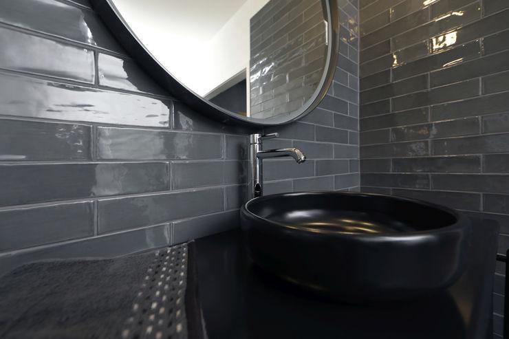 Fliesen-Keramik Wunsch GmbH Classic style bathroom Tiles Grey