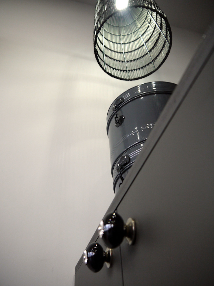 Salon de Coiffure LOLLYPOP MIINT - design d'espace & décoration Locaux commerciaux & Magasin industriels Blanc