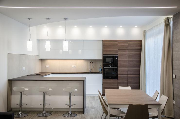 Una casa riportata a nuova vita – 120 mq Studio ARCH+D Cucina moderna